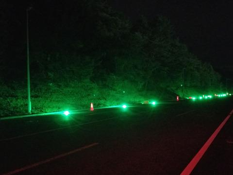 路面点滅誘導灯「ミチテラ」